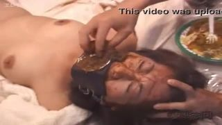 【閲覧注意!】緊縛されたM女が開口マスクで強制食糞!最後手で ...