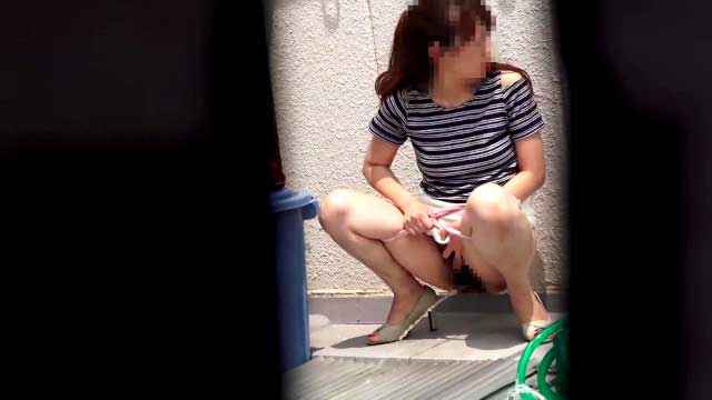 おしっこ盗撮エロ動画