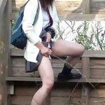 【女子校生×野ション】制服ロリJK達が野外で露出しながらオシッコ大量に放尿するところを盗撮隠し撮り!【排泄×スレンダー】