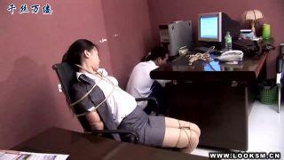 《SM×麻縄》寝ているOL美女を麻縄でぐるぐるに緊縛拘束して放置プレイ!《変態・フェチ・スーツ》