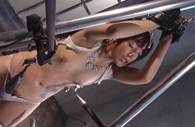 【SM 凌辱レイプ】エロボディー美少女が乳首吸引されながら電マや電流責めでエロ顔で感じまくって性奴隷化《微乳×ちっぱい》
