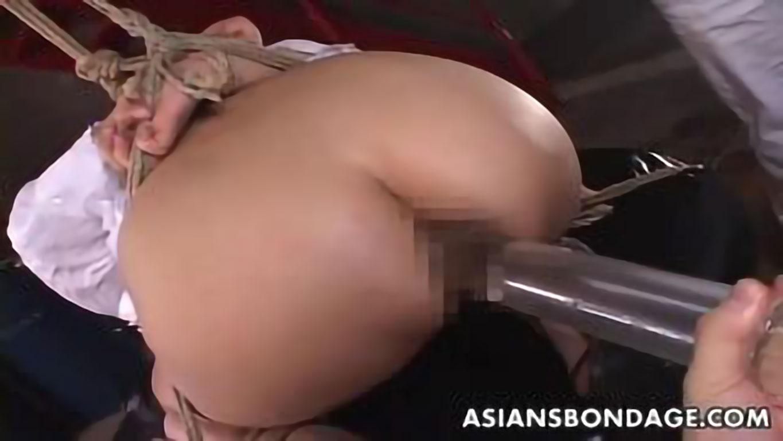 【SM スカトロ浣腸】エロボディー変態美女が麻縄で緊縛拘束されアナルドアップで大量排便放出!《変態 フェチ マニアック》