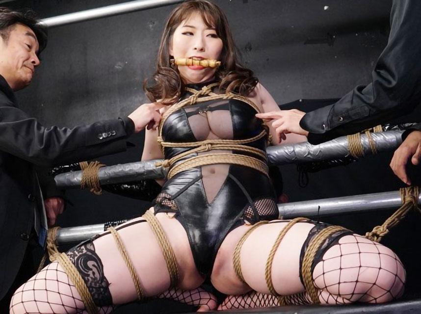 【SM×宝田もなみ】緊縛拘束された巨乳美女がおっぱい揉まれながら電マ責めでエロ顔アクメ絶頂!!