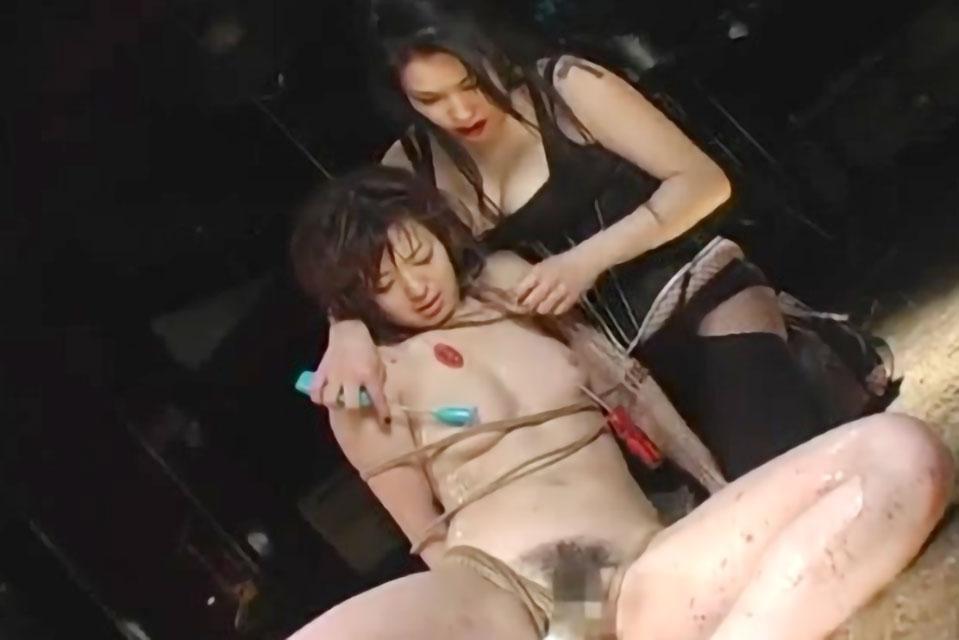 【SM動画】淫乱なエロボディー美女達が麻縄で緊縛拘束された状態でレズプレイをしまくるフェチ動画!!
